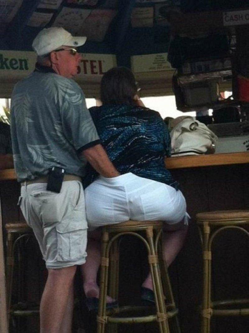Having a feel-15 Dumb People Having Nasty Sex In Public