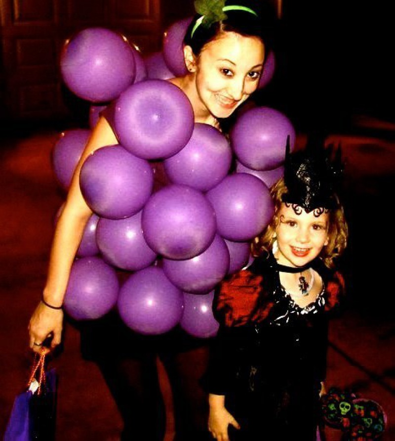 A Bunch of Grapes Halloween Costume-Simple Halloween Costumes You Can Make Within A Day