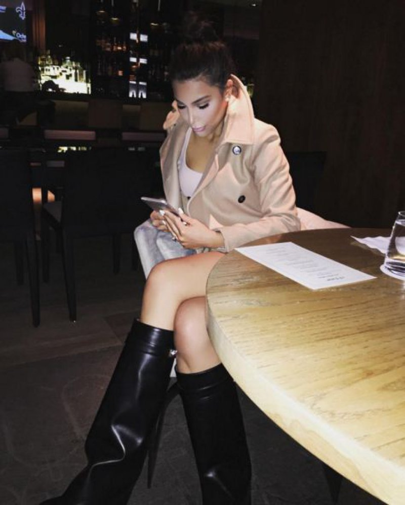 She Loves When People Tell Her She Looks Like Kim Kardashian-15 Images Of Kim Kardashian's Doppelganger Kamilla Osman That Will Confuse The Hell Out Of You