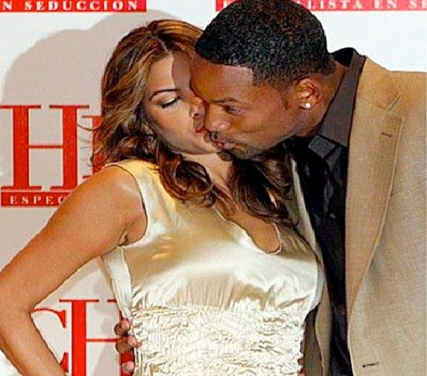 Will Smith/Eva Mendes-Most Awkward Celebrity Kisses