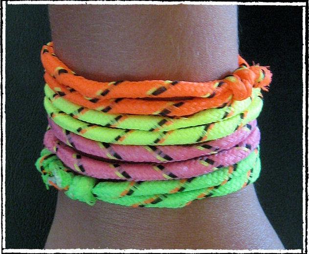 Neon rope bracelets-DIY Jewelry Ideas