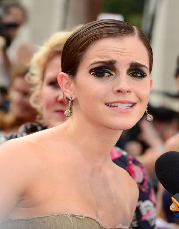 Emma Watson-15 Worst Celebrity Makeup Disasters Ever