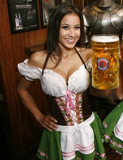 "Cheers!!-Best ""Girls With Beer"" Photos"
