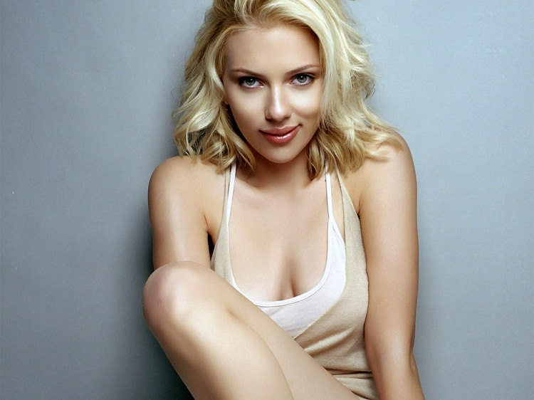 Scarlett Johansson-Celebrities Who Can Actually Sing