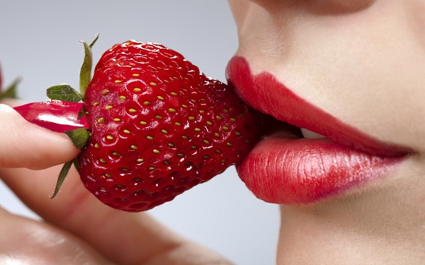 sexy Strawberries-Foods That Affect Your Sex Life