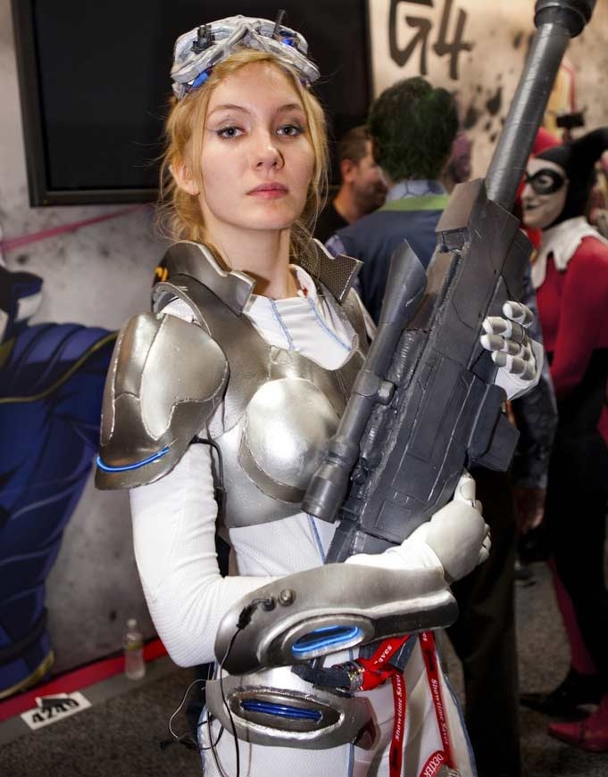 My what a big gun-Best Cosplays By Girls
