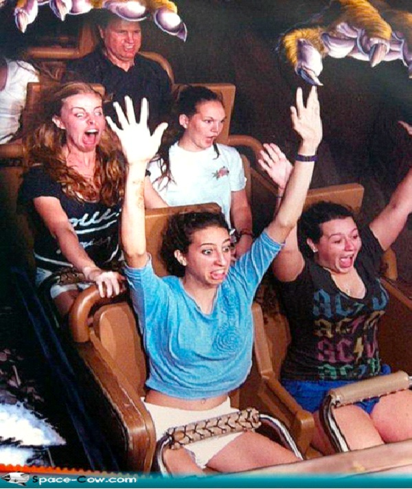 No Hands-12 Funniest Rollercoaster Pictures