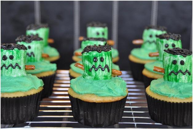 Frankenstein Cupcakes-Halloween Cupcakes