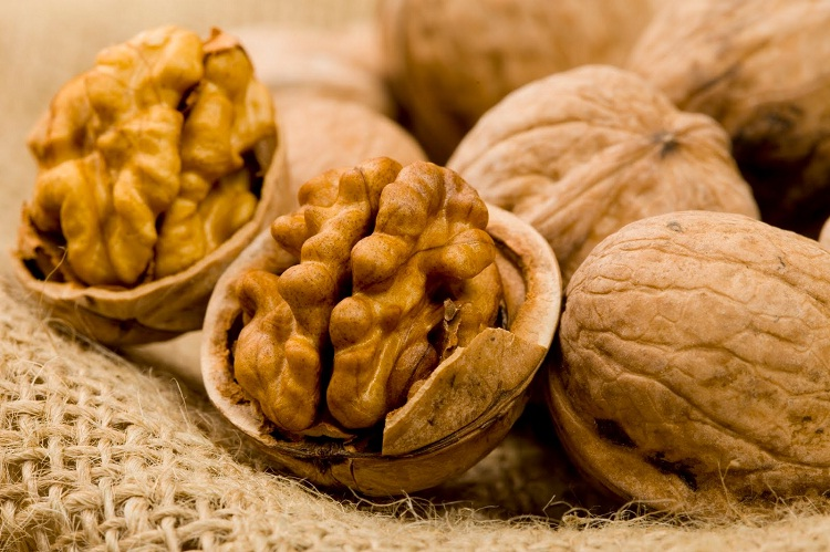 Walnuts-Foods That Are Beneficial For Your Brain