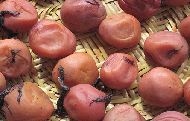 Umeboshi plums-Foods That Suppress Your Appetite