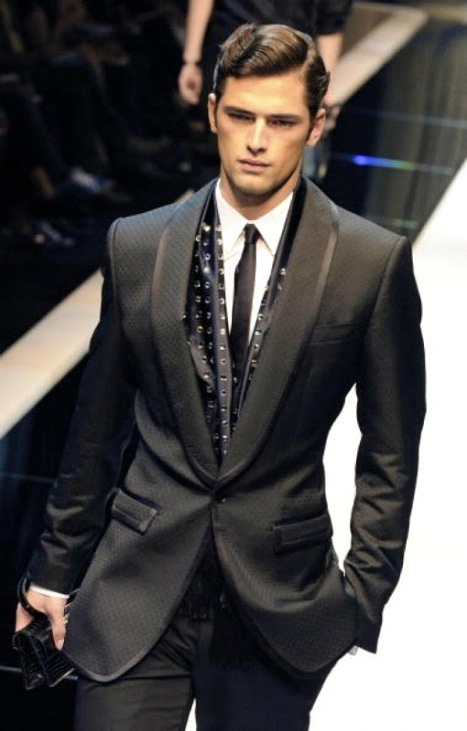 Giorgio Armani $3,595-Most Expensive Tuxedos In The World