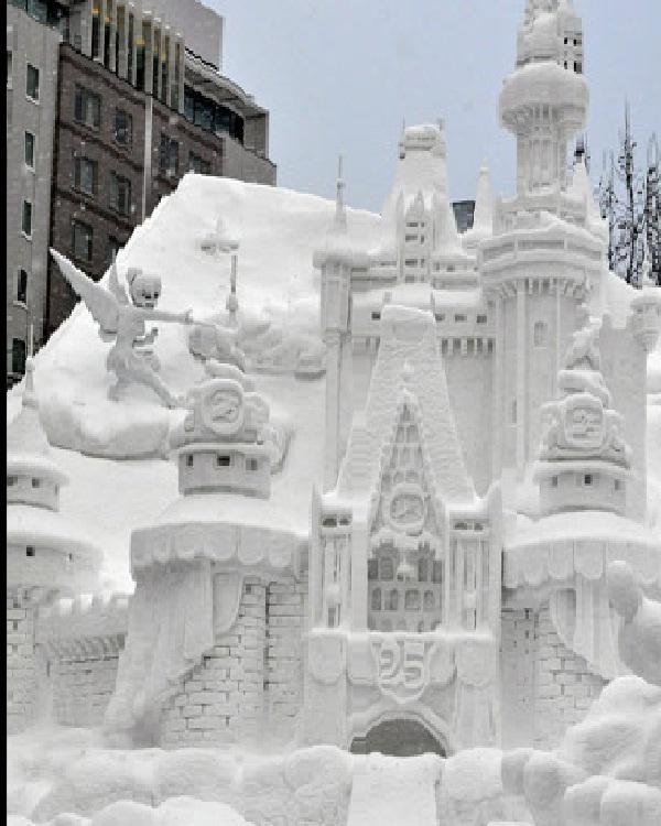 Tinkerbell-Disney Snow Sculptures
