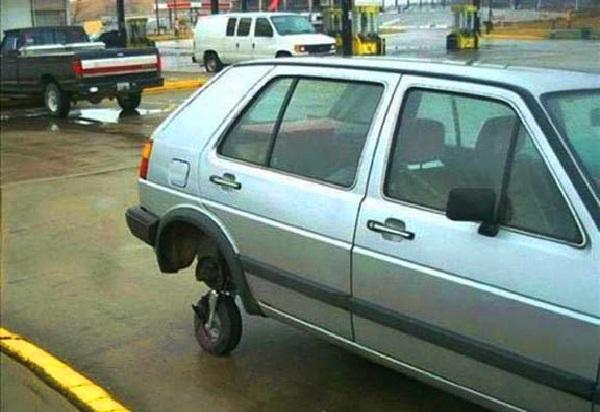 Where's the wheel?-Car Modification Fails