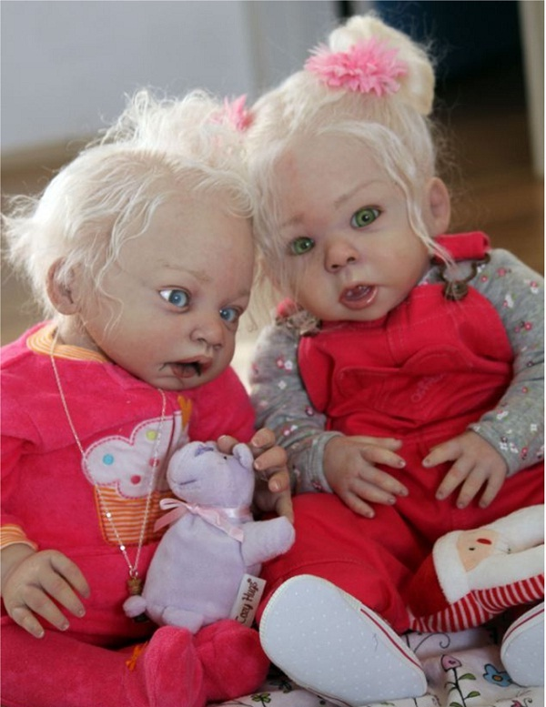 Zombie Twins-Creepiest Toys