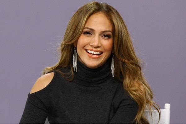 Jennifer Lopez-Hot And Fit Celeb Moms