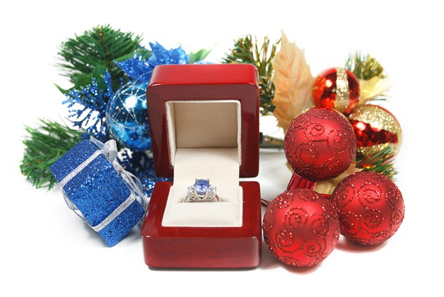 Wedding Proposal/Engagement Ring-Best Things To Get On Christmas