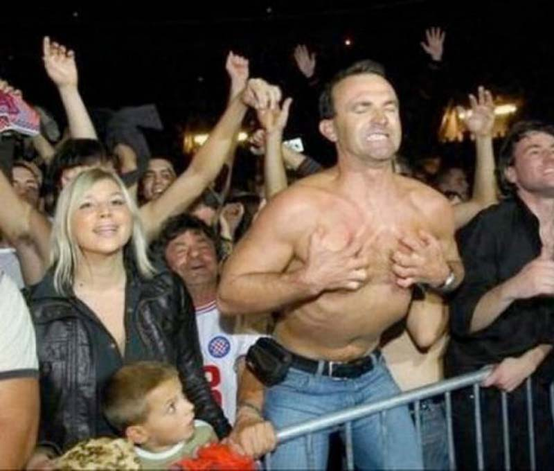 Stop it dad-15 Hilarious Concert Fails And Bloopers That Will Make You Lol