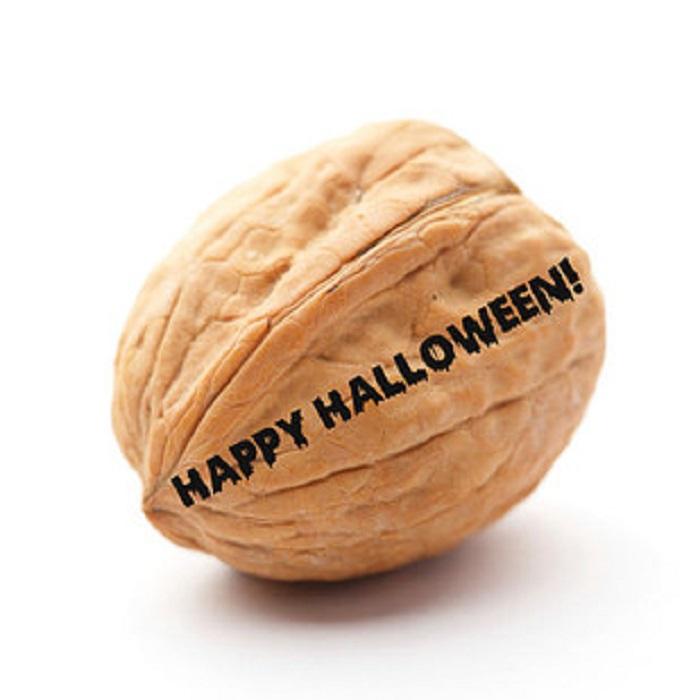 A Walnut-15 Weird Things Kids Got On Halloween Trick-or-Treat