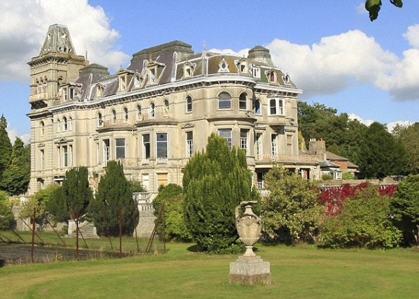Henley Mansion In Berkshire, England-15 Most Expensive Homes In The World