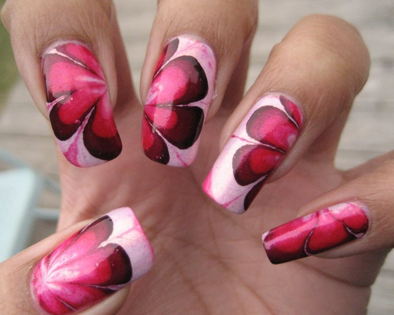 Pretty Flowers-15 Amazing Nail Arts That You Must Try Once In Your Life