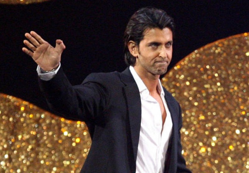Hrithik Roshan - Double Thumb-15 Celebrities With Strange Physical Flaws You Probably Don't Know About
