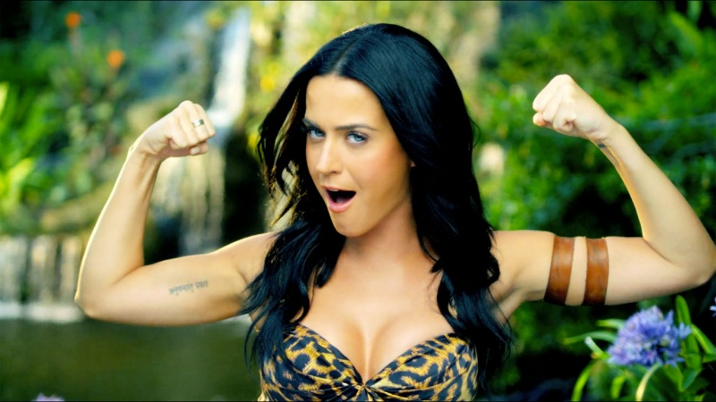 She Brushes Her Teeth 4 to 6 Times a Day -15 Things You Don't Know About Katy Perry