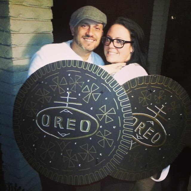 Oreo Costume-Fifteen Halloween Couple Costumes That Are Super Amazing