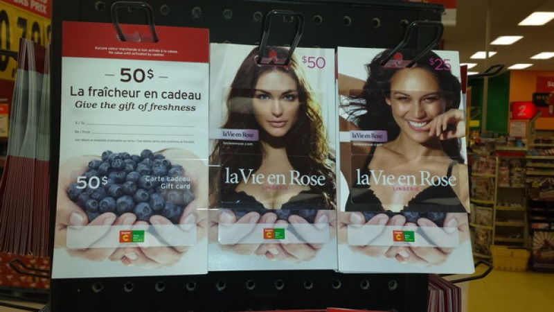 Berries and Bras Don't Go Well Together-15 Times Placement Ruined Everything