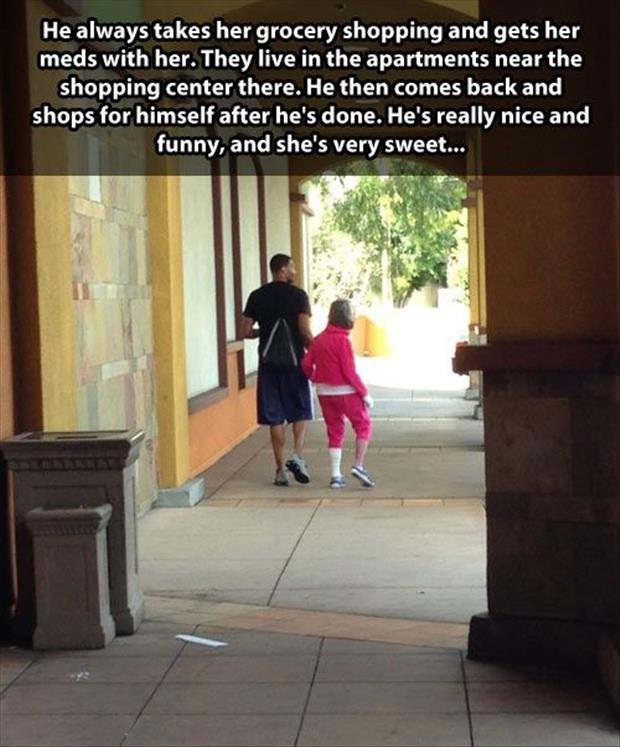 Helping Hands-Pictures That Will Restore Your Faith In Humanity
