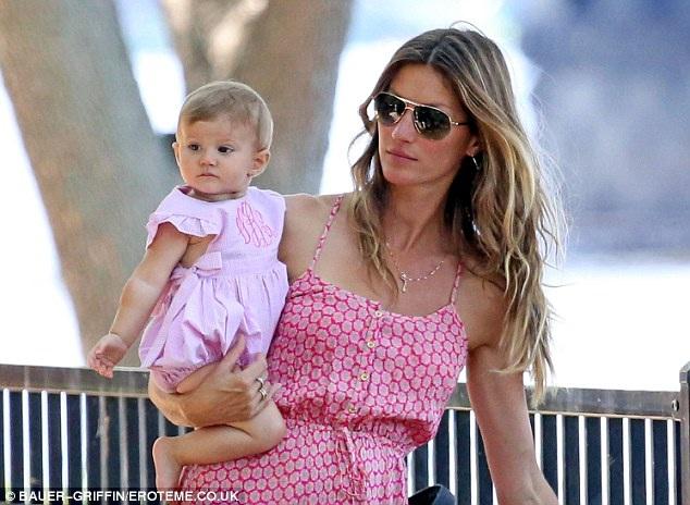 Gisele Bundchen-Hot And Fit Celeb Moms