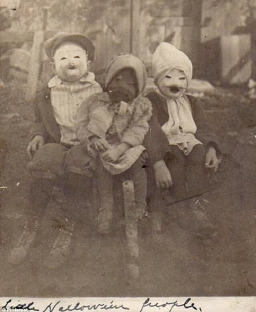 Eyeless And Souless-Most Terrifying Vintage Halloween Costumes Ever