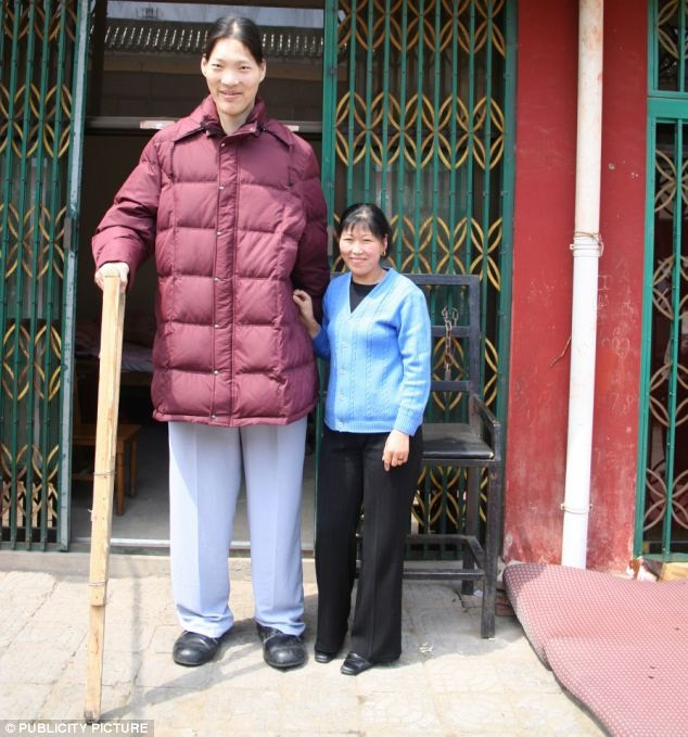 Yao Defen-Tallest Women In The World