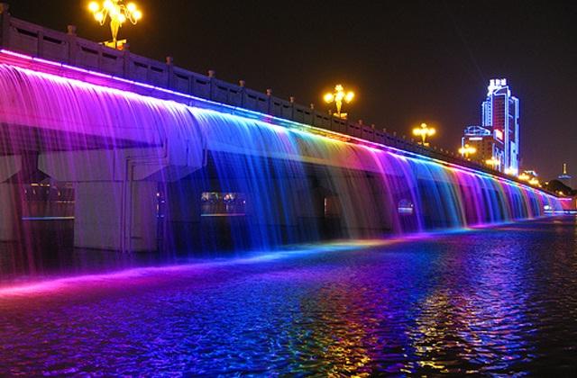 The Banpo Bridge Korea-Most Breathtaking Fountains In The World
