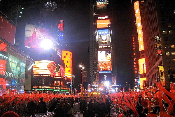 Spend New Years Eve In Times Square-Best Bucket List Ideas