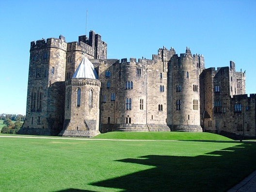 Alnwick Castle - Northumberland-Most Beautiful Castles Around The World