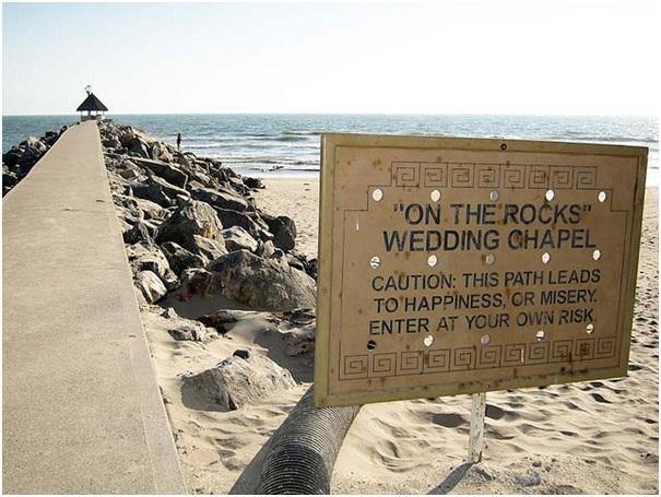 Rocky Road Ahead-12 Funniest Wedding Signs Ever Seen