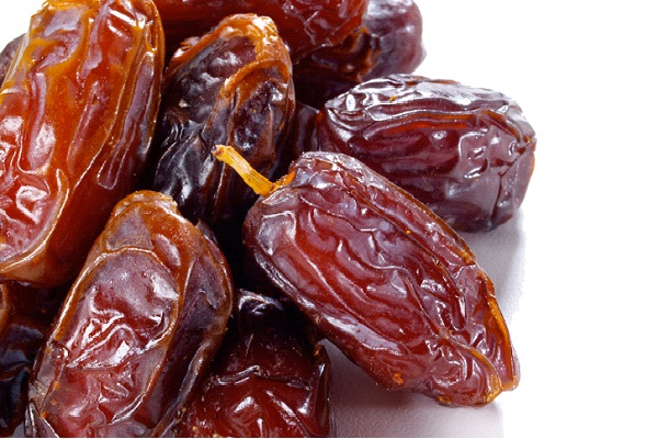 Dates-Foods That Help Building Blood