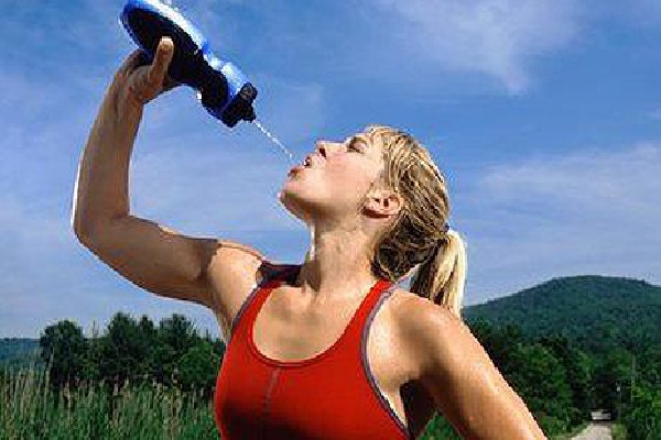 Sports Drinks-Unhealthy Foods That Seem Healthy