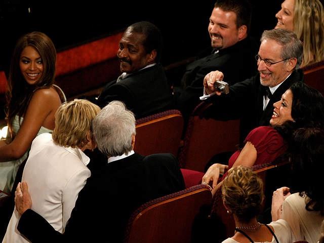 Social Media-Most Bizarre Moments At Oscars Ever