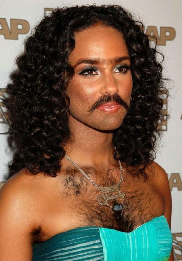 Alisha Keyes-24 Hilarious Female Celebrities With Beard Photos