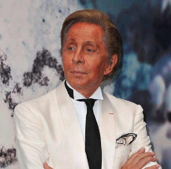 Valentino Garavani-Best Fashion Designers In The World
