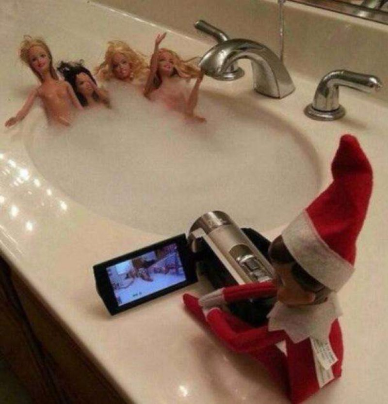 This Hilarious Combination of Elf and Barbie-15 Hilarious Photos Of The Elf On The Shelf Gone Wrong