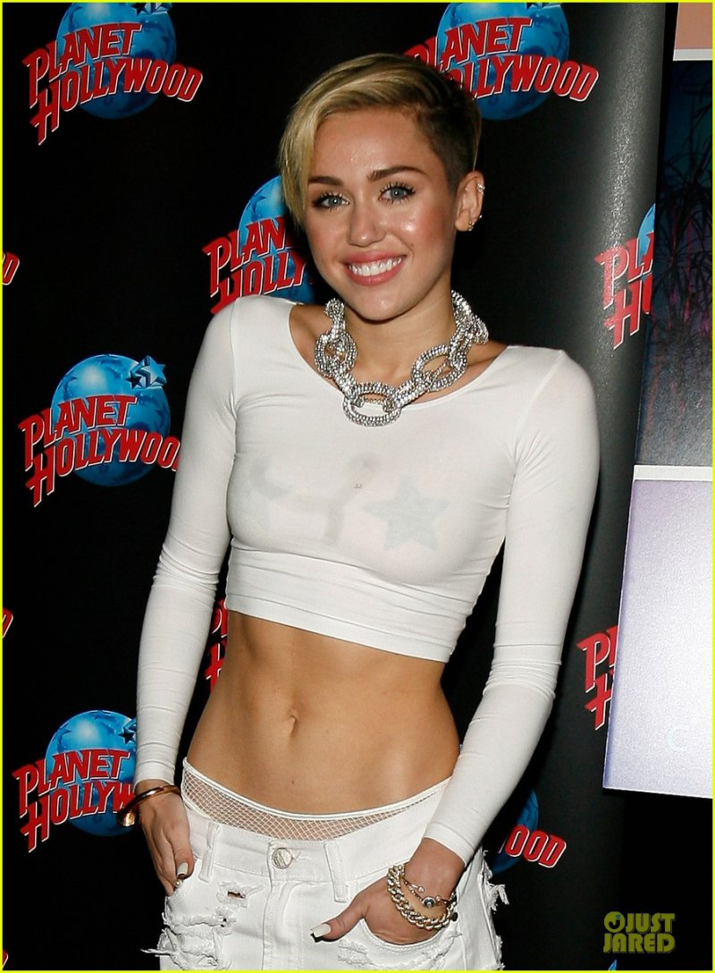Pilates-15 Things You Don't Know About Miley Cyrus