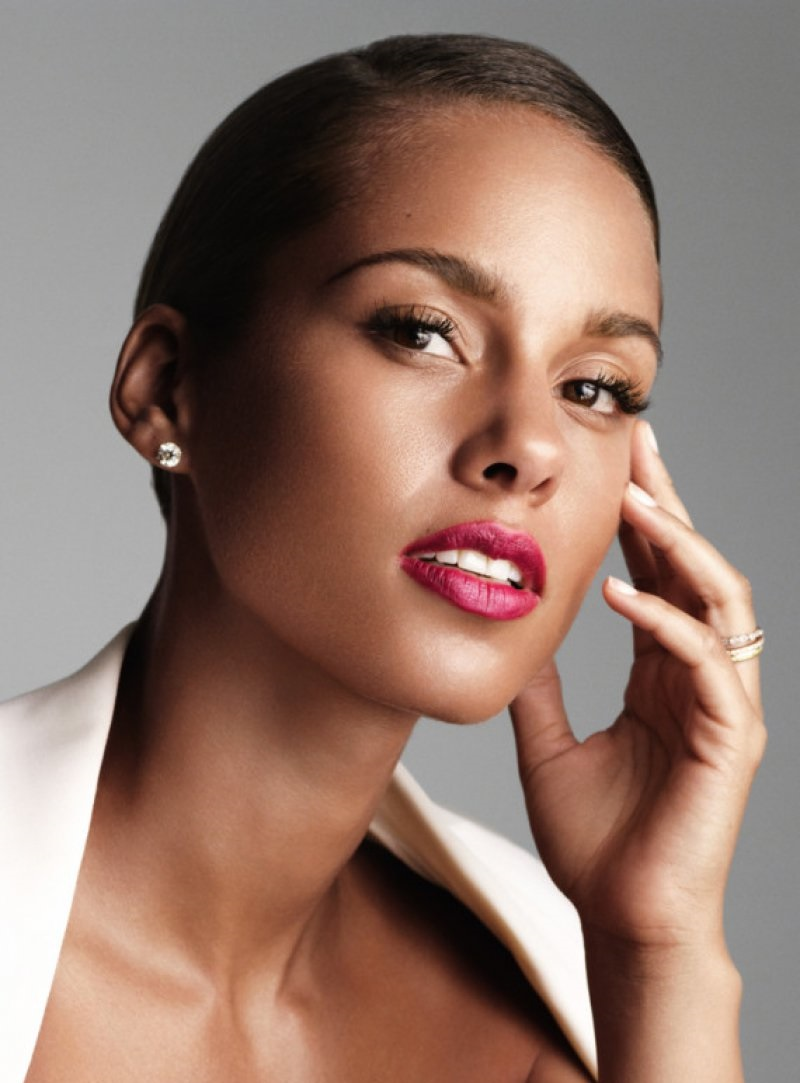 Alicia Keys-12 Celebrities Whose Parents Are Of Different Races