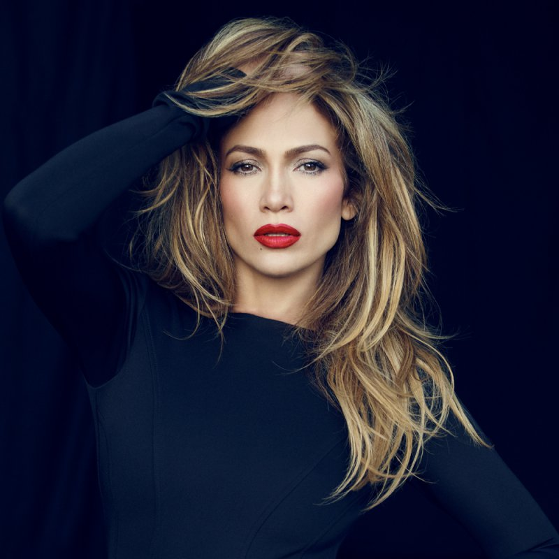 Jennifer Lopez-15 Celebrities Who Look Younger Than They Actually Are