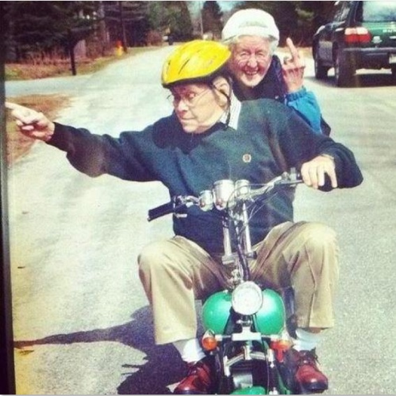 Young Couples Can Take Notes-15 Amazing Old Couples That Show Love Never Gets Old