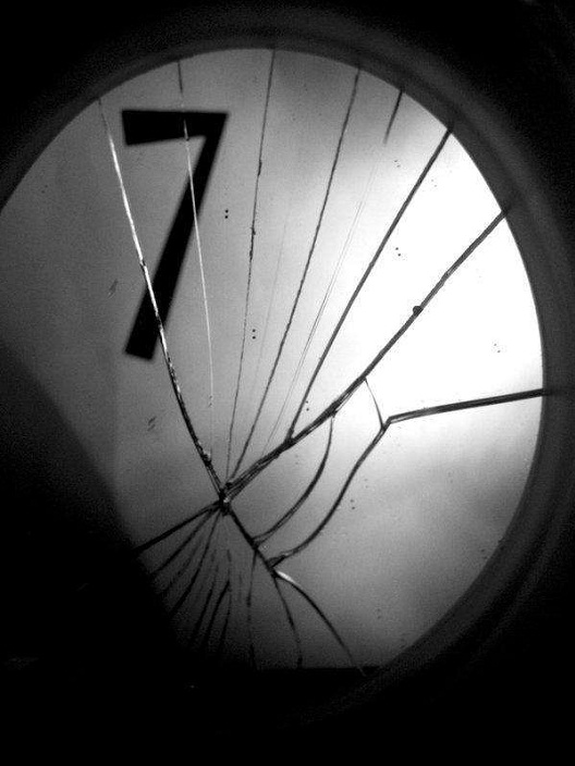 Broken Mirrors-Most Common Superstitions And Their Origins