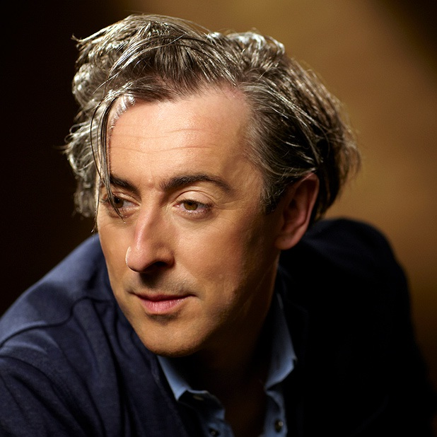 Alan Cumming-12 Gay Male Celebs Who Were Once Married To Women