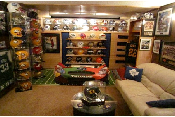 Football Fan-Awesome Man Caves