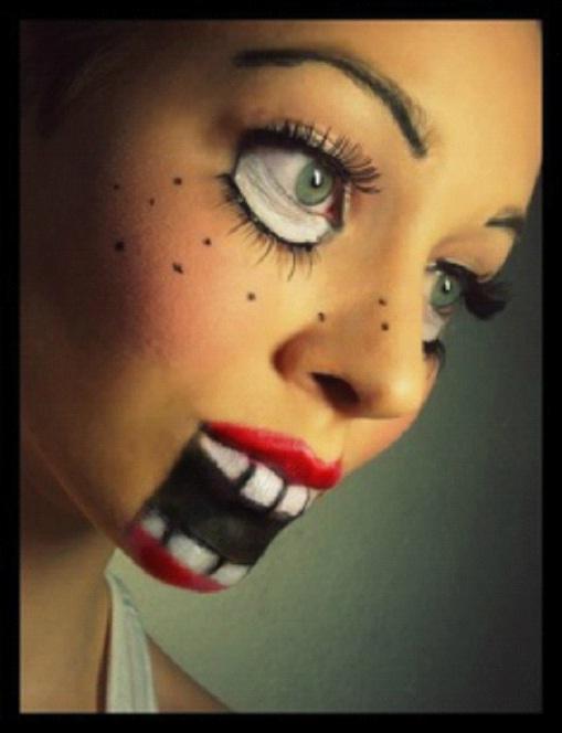 Big Kisser-Amazing Wooden Doll Makeup
